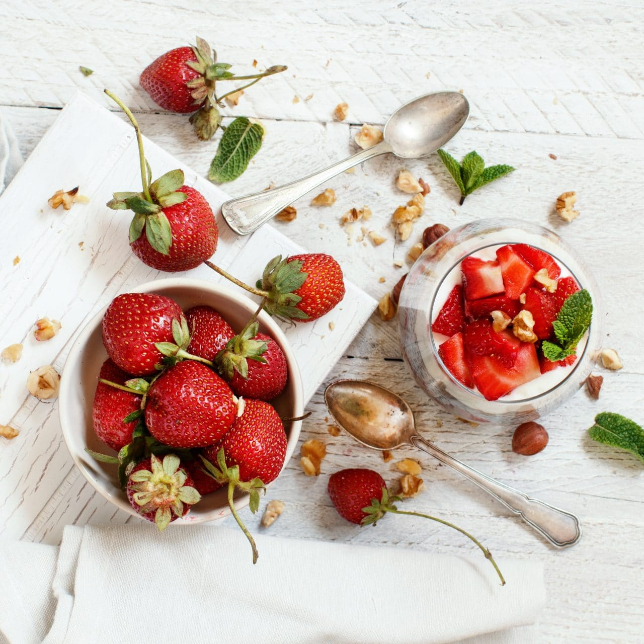 Chia pudding Strawberry parfait (c) by katrinshine licensed via envato